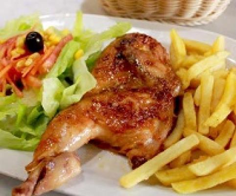 Medio pollo horno con guarnición