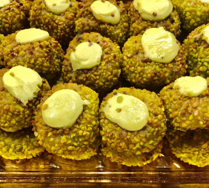 Novedad Dulce de almendras con crema de pistacho 4 unidad