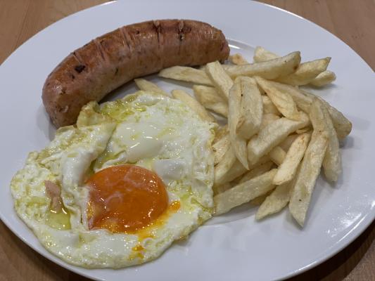 139. Criollo con Huevo y Patatas