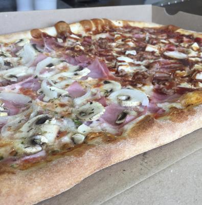 1/2 Metro Pizza, con 2 Refrescos