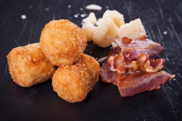 151. Croquetas  de Bacon y Cebolla Frita