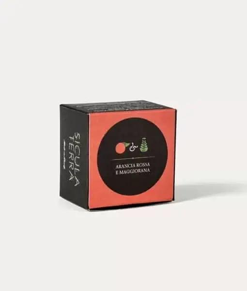 Cioccolatini aromatizzati con arancia rossa e maggiorana